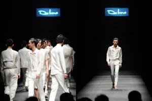 2012大连时装周:蒙妮坦为意大利品牌DEALUNA提供造型设计