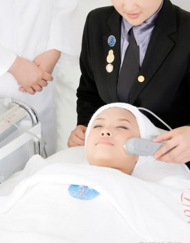 美容面部护理仪器的使用