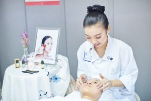 美容师培训-CIDESCO顶级文凭证书考试