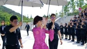 郑明明与蒙妮坦同学们分享时尚美丽心得