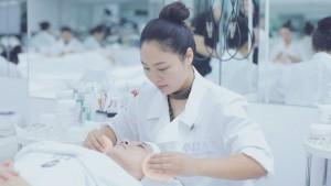 蒙妮坦美容师培训上学期考试测评现场