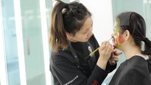 北京蒙妮坦化妆学院184班优秀学员毕业采访