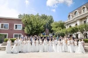 优秀的蒙妮坦摄影师,一天拍了三十多组新娘妆