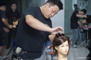 美发师的职业前景好吗,学美发需要准备什么