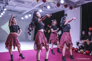 【亲妮2020】北京蒙妮坦新年狂欢会嗨翻全场 美容美发化妆摄影班同学各展才艺