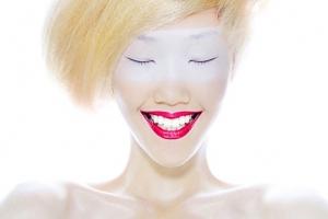 初中女孩有学化妆专业的吗