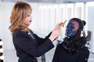 爱云化妆老师化妆课堂:喷枪化妆的色彩革命,女神节的美也要足够个性