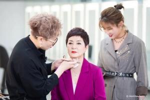 佳子老师化妆直播间,学习口红色号怎么选才能避雷避坑?