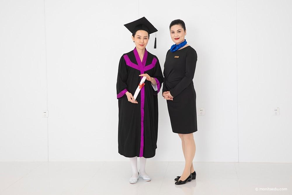 2021年国际CIDESCO美容颁发证书合影_IMG_6923_蒙妮坦