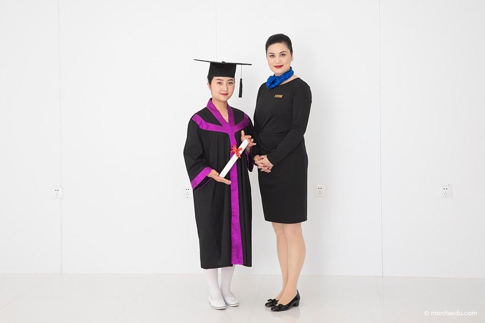 2021年国际CIDESCO美容颁发证书合影_IMG_6917_蒙妮坦