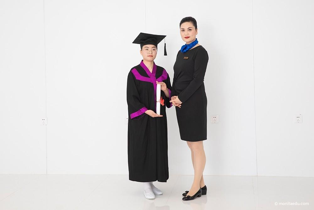 2021年国际CIDESCO美容颁发证书合影_IMG_6938_蒙妮坦
