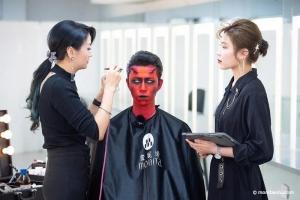 好莱坞特效化妆师亲自示范变异人妆容,今天带你魔界出道