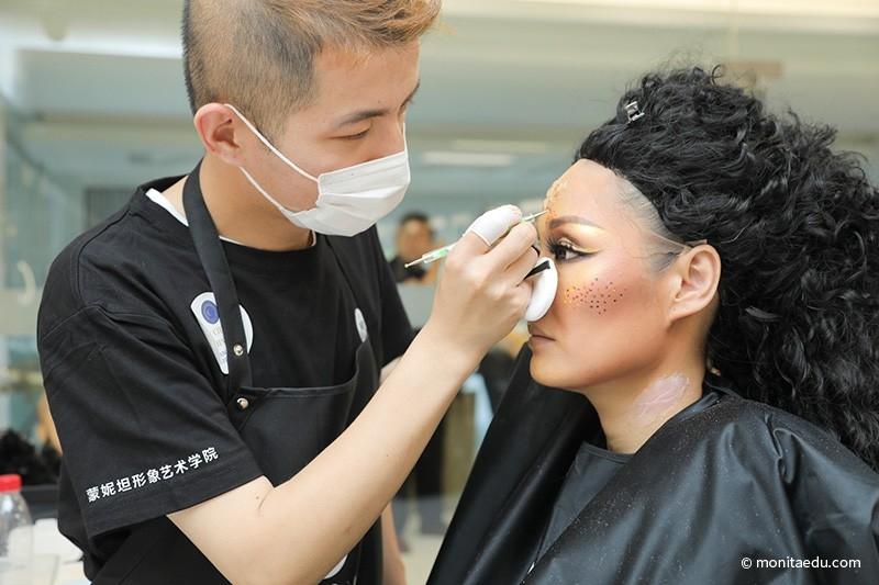 2021年国际CIDESCO国际艺术化妆文凭考试实录_1-(2)_蒙妮坦