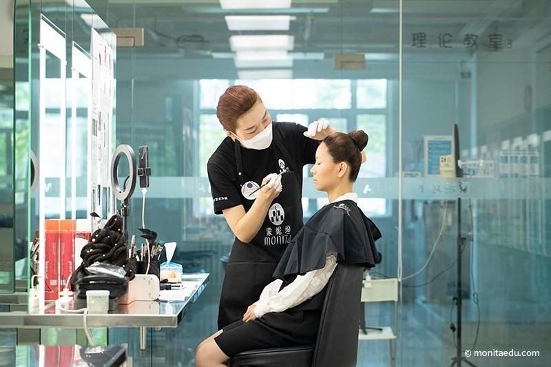 2021年国际CIDESCO国际艺术化妆文凭考试实录_BN1I8888_蒙妮坦