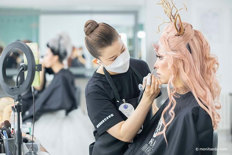 2021年国际CIDESCO国际艺术化妆文凭考试实录_BN1I9274_蒙妮坦