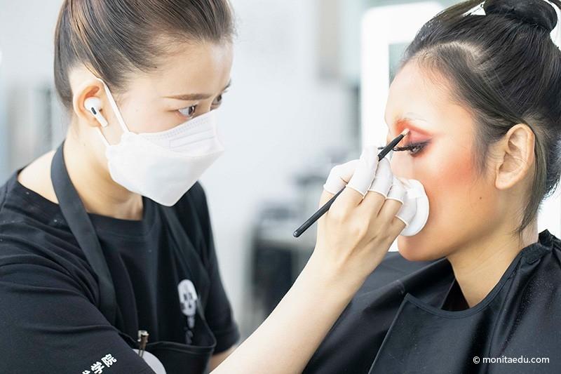 2021年国际CIDESCO国际艺术化妆文凭考试实录_BN1I9169_蒙妮坦